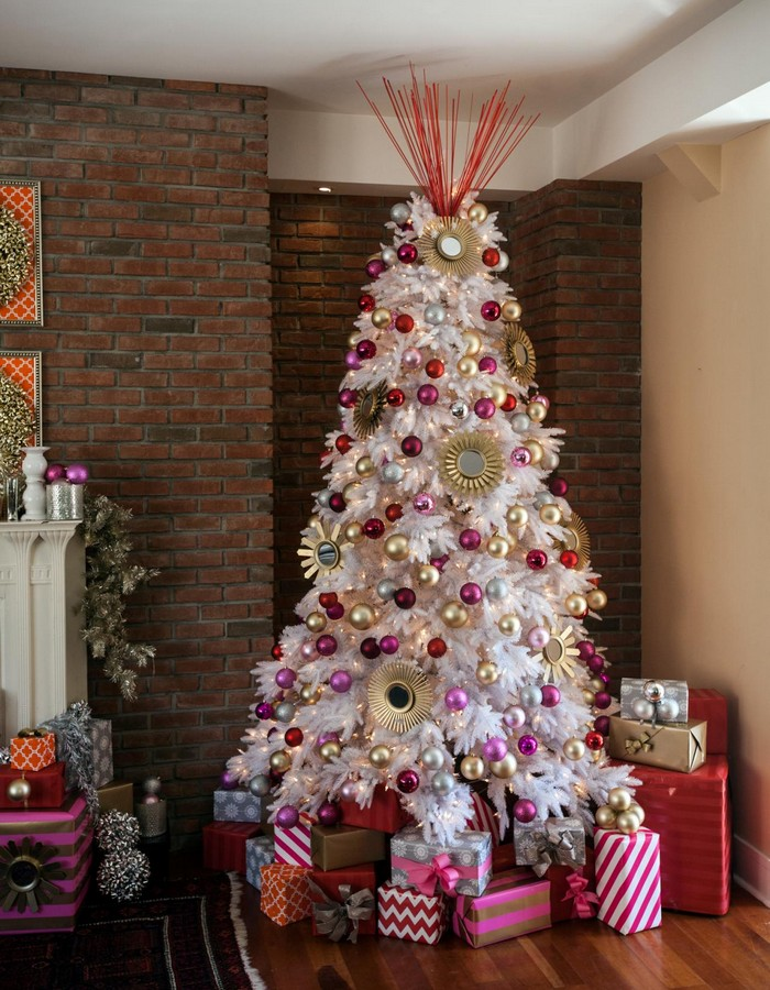 Magnificent christmas tree d cor ideas part one the - Sapin de noel rouge et argent ...